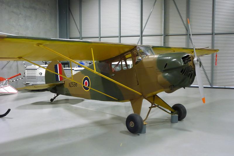 "ZK-APJ (NZ598) Porterfield 35W Flyabout ""Royal New Zealand Air Force"" c/n 316 Ashburton/NZAS 11-04-09"