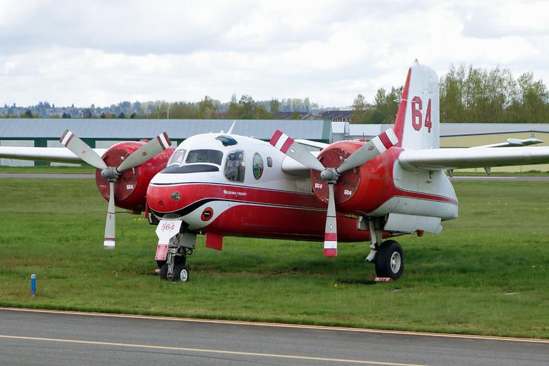 C-FOPU (64) de Havilland Canada CS2F-1 Firecat c/n DHC-38 Langley/CYNJ 28-04-14