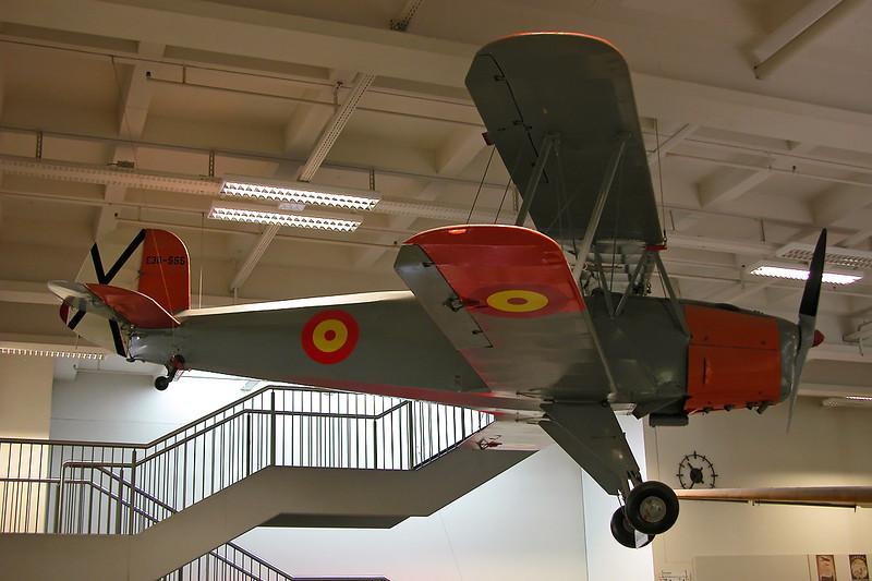 """E.3B-555 CASA 1.131E Jungmann """"Spanish Air Force"""" c/n 2169 Deutsches Museum/Munich 12-07-05"""