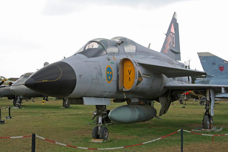 37811 SAAB Viggen Sk-37E c/n 37811 Montelimar/LFLQ/XMR 20-07-07