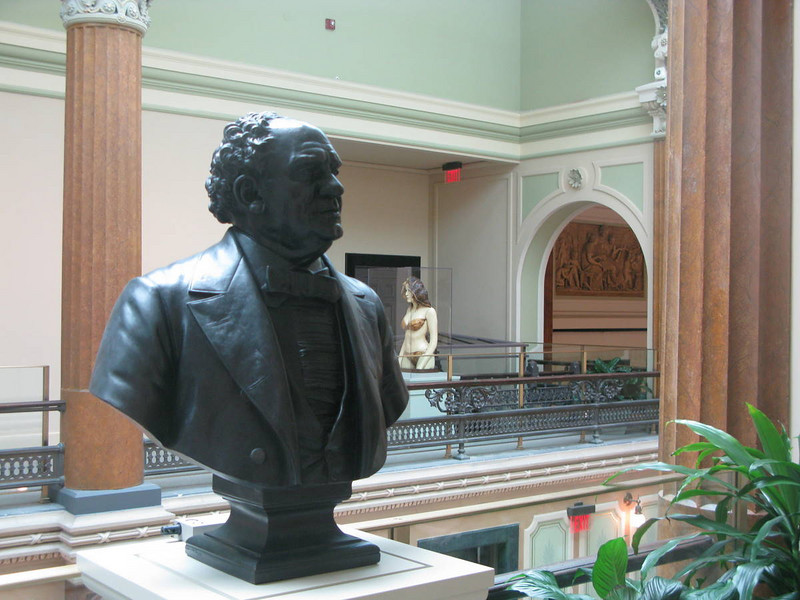 P.T. Barnum and Raquel Welsh (National Portrait Gallery, formerly the US Patent Office building)