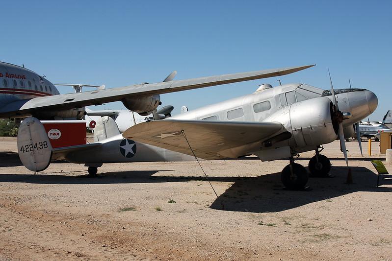 N8073H (22438) Beech AT-7B Navigator c/n 4260 Pima/14-11-16