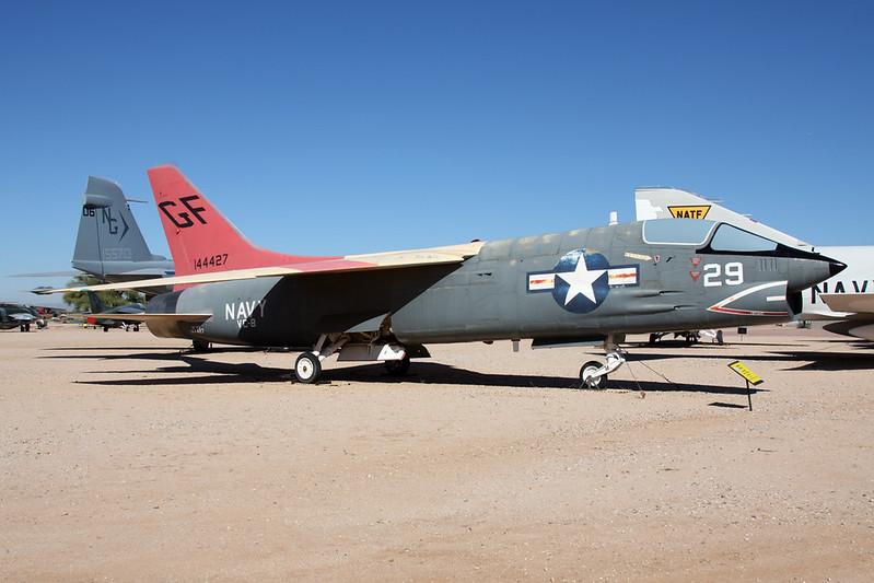 144427 (AC-207) Ling-Temco-Vought DF-8F Crusader c/n 201 Pima/14-11-16