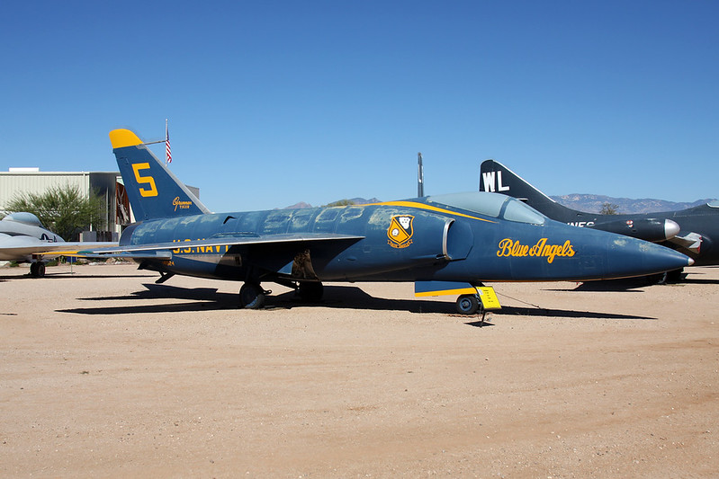 "141824 (5) Grumman F-11A Tiger c/n 141 Pima/14-11-16 ""Blue Angels"""