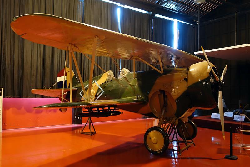 Unmarked Curtiss 68 Hawk III Replica c/n unknown Bangkok-Don Muang/VTBD/DMK 27-04-15