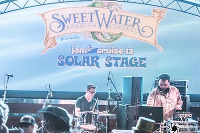 20150107-503A2934-Jam Cruise 13