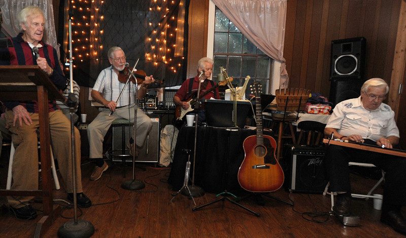 "Guests enjoy ""A Night at George's Creek with the Back Porch Band""!!<br /> GWINN DAVIS PHOTOS<br /> gwinndavis@gmail.com  (e-mail) <br /> (864) 915-0411 (cell)<br /> gwinndavisphotos.com (website)<br /> Gwinn Davis (FaceBook)"