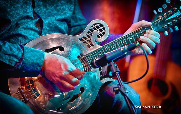 72doug guitar9065
