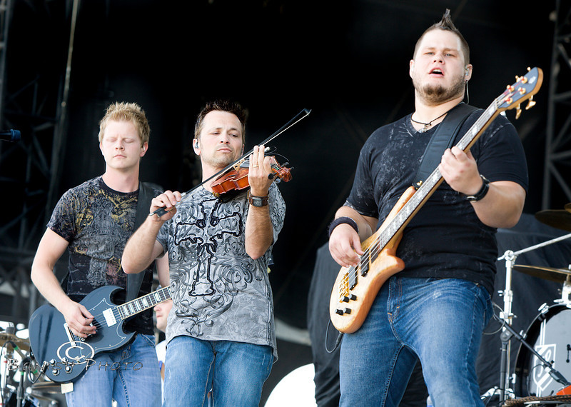 32 Below on Stage at WeFest 2010 - Photo by Pat Bonish