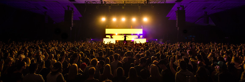 Shooting Illy at the Festival Hall in Melbourne, for Colourblind Production Lighting. Great Performance. Very genuine artist, and the crowd loved it. #Illy #festivalhall #colourblindproductionlighting #Music #Rap #Hiphop #aussiehiphop