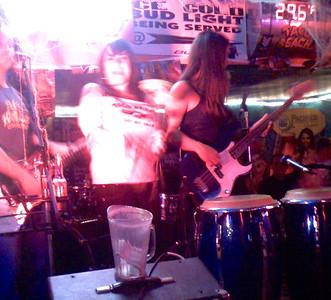 2007-10-18_neva-lastshow-at-taco-beach - 037