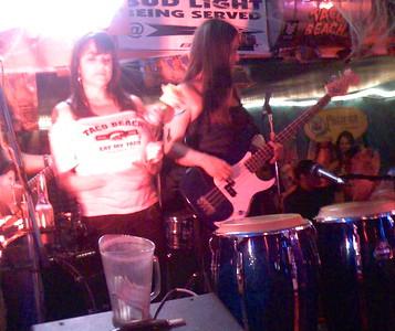 2007-10-18_neva-lastshow-at-taco-beach - 034