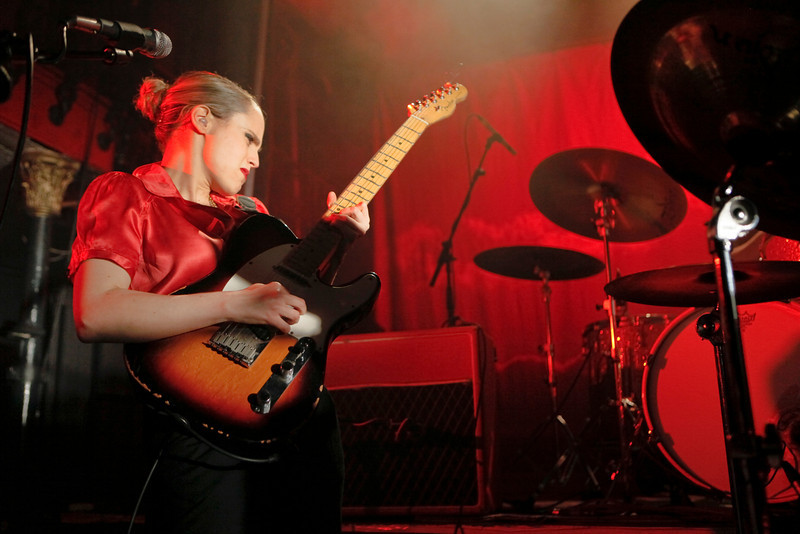 Anna Calvi_19_Hoxton Hall_27th January 2011__Simon Fernandez