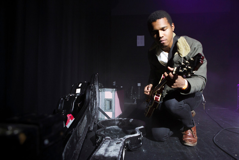 Benjamin Booker_008_Backstage__Paradiso Noord_8th March 2015_Simon Fernandez