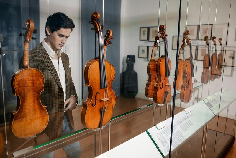 Charlie Siem_44_Royal Academy of Music_21st December 2010_Simon Fernandez