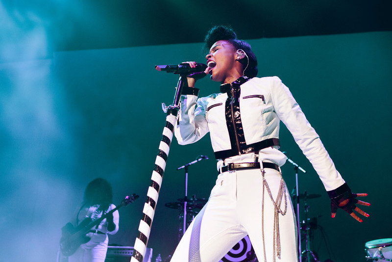 Janelle Monae_043_Brixton Academy_9th May 2014_Simon Fernandez