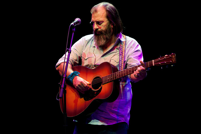 Steve Earle_07_Barbican_4th November 2009_Simon Fernandez