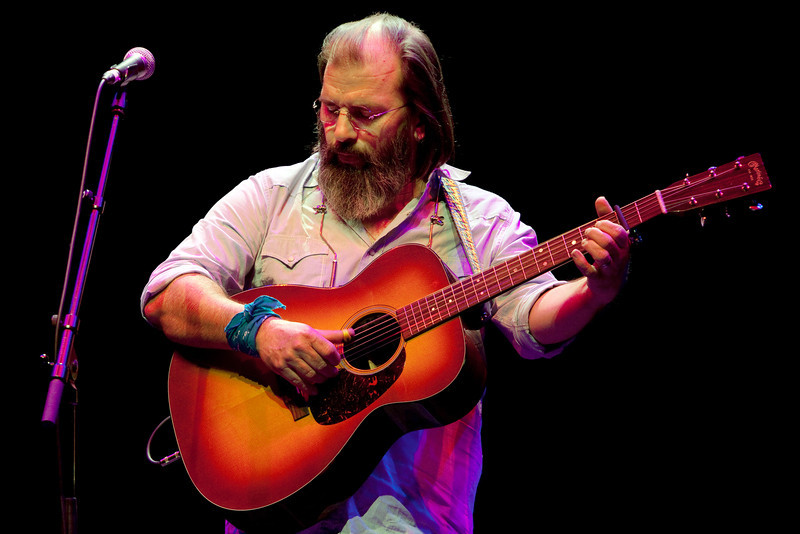 Steve Earle_01_Barbican_4th November 2009_Simon Fernandez