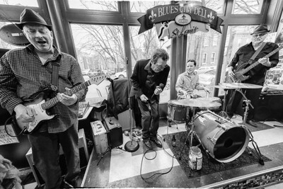 Paul Bonn & The Bluesmen at the Blues City Deli