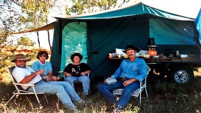 Ian & Karen Davis with Brian & Barbara Harris (Aussie Swag camper) Comet Country Music 31/03/97