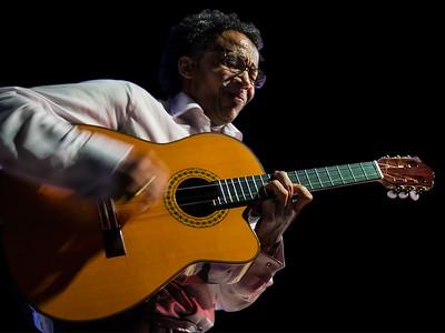 Guitarist (Son Yambu, Ban on  the Wall)