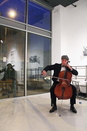 Stevie Kramer, Cellist