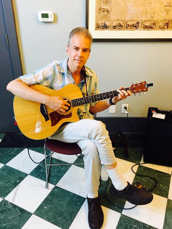 . Tunefoolery guitarist Jeff Fisher of Arlington