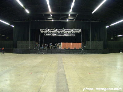 Main hall before the show - British Invasion 2k4 - at Orange Pavillion - San Bernardino, CA - November 20, 2004