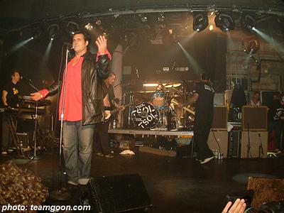 Steve Olson TSOL - The Hunns - at The Key Club - Hollywood, CA - April 4, 2004