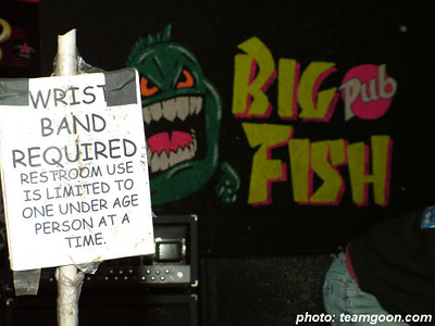 Crazy sign at Big Fish Pub in Arizona The Adicts November 2004 Tour