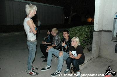 Hanging out - Bad Antics - Audacity - Teredacdudes - Friendly Neighbors - at Fullerton Skate Park and Kent's - Fullerton, CA - November 4, 2006