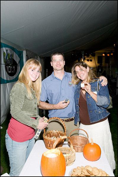 0048 Folk Festival  Sept 7 06