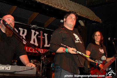 Guest vocalist Front Row Joe Midway - at El Cid - Los Angeles, CA - December 12, 2007
