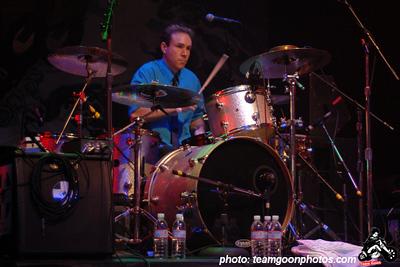 Derek O'Brien - Punk Rock Karaoke at the Rock to Roll benefit show - at The Avalon Theater - Hollywood, CA - December 11, 2007  Punk Rock Karaoke MySpace: http://www.myspace.com/originalpunkrockkaraoke