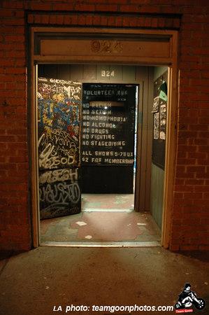 924 Gilman entrance
