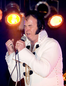 Matt Ragano as Elvis Presley at the Apollo Theater.