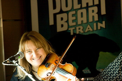 Roots on the Rails naturalist and fiddle player, Elsabe Kloppers.