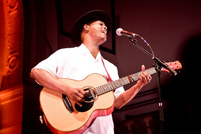 Eric Bibb performing at Cadogan Hall, London - Mon 9th June 2006