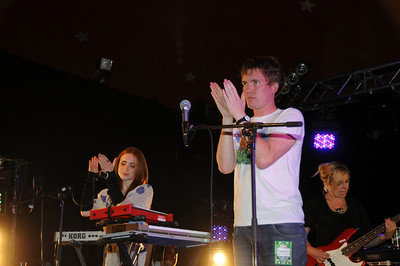 Los Campesinos performing at Reading 2008