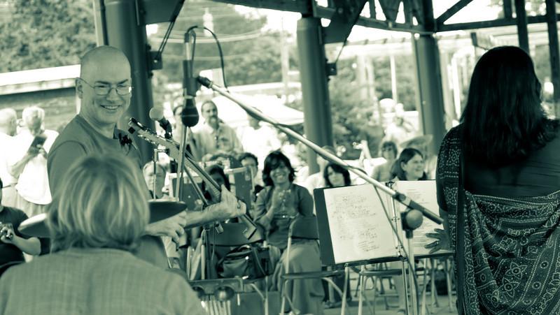 20080928 Carrboro Music Festival (9403, 1531p, c2008 Dilip Barman)