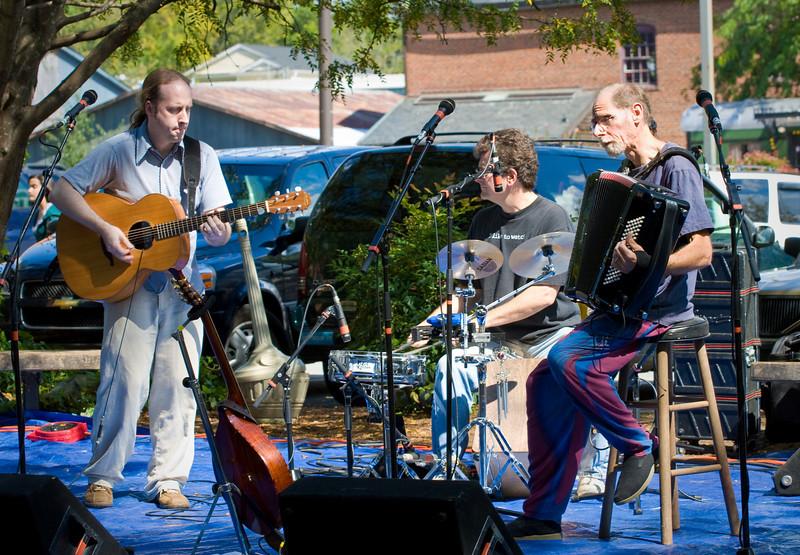 20080928 Carrboro Music Festival (9318, 1356p, c2008 Dilip Barman)
