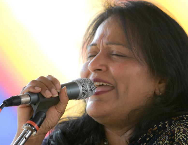20080928 Carrboro Music Festival (9355, 1515p, c2008 Dilip Barman)