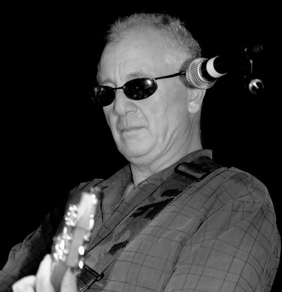 20080928 Carrboro Music Festival (9694, 1923p, c2008 Dilip Barman)