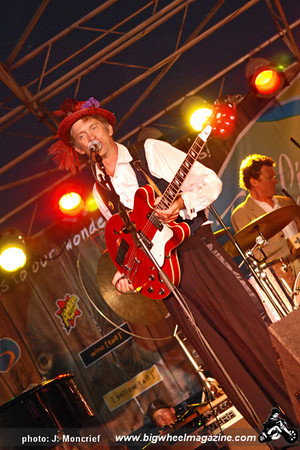 Squirrel Nut Zippers - at the Santa Monica Pier - Santa Monica, CA - July 23, 2009