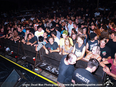 The Crowd - at The Galaxy - Santa Ana, CA - August 28, 2009