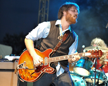 Dan Auerbach performs at ACL 2009 - 04/10/09