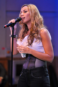 Leona Lewis performs at BBC Broadcasting House - 03/12/09