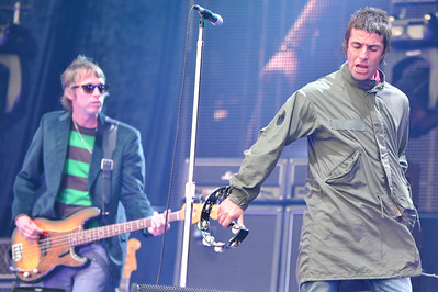 Oasis perform at Heaton Park, Manchester - 04/06/09