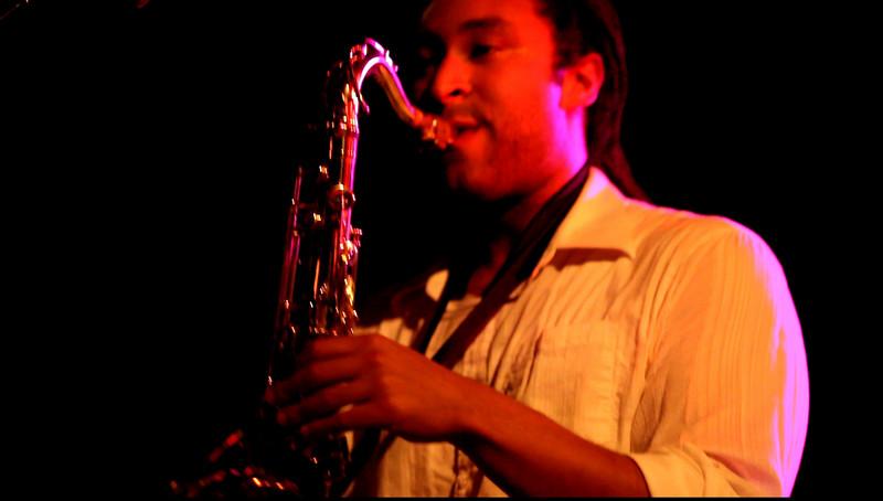 03 Nat Love,Saxophone,English Beat-Jun 6 2009,CarrboroNC (0014a) - short lick of 'I Confess' (04s)