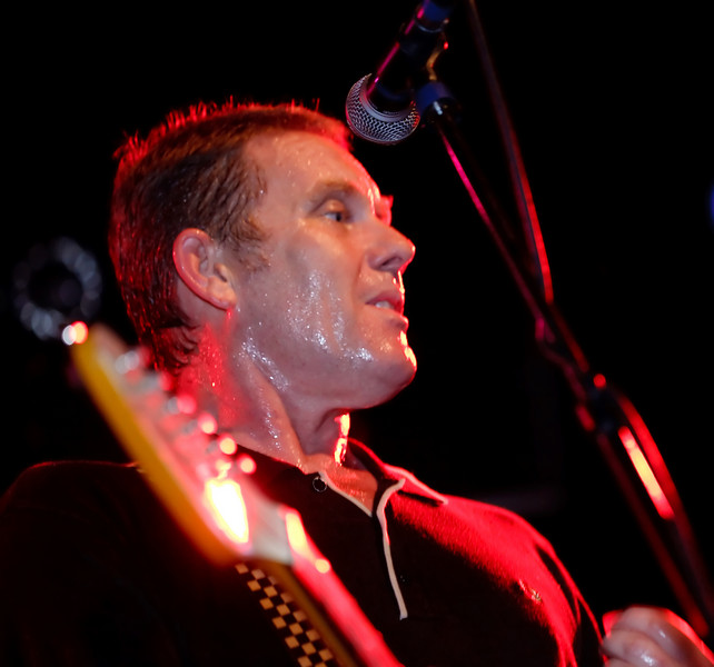 01 Dave Wakeling,Vocal&LeadGtr,English Beat-Jun 5 2009,CarrboroNC (1158p) [NN]